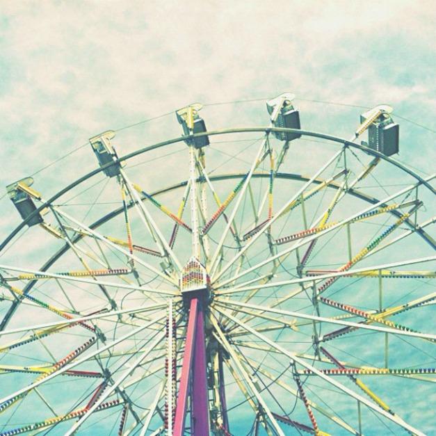 green ferris wheel